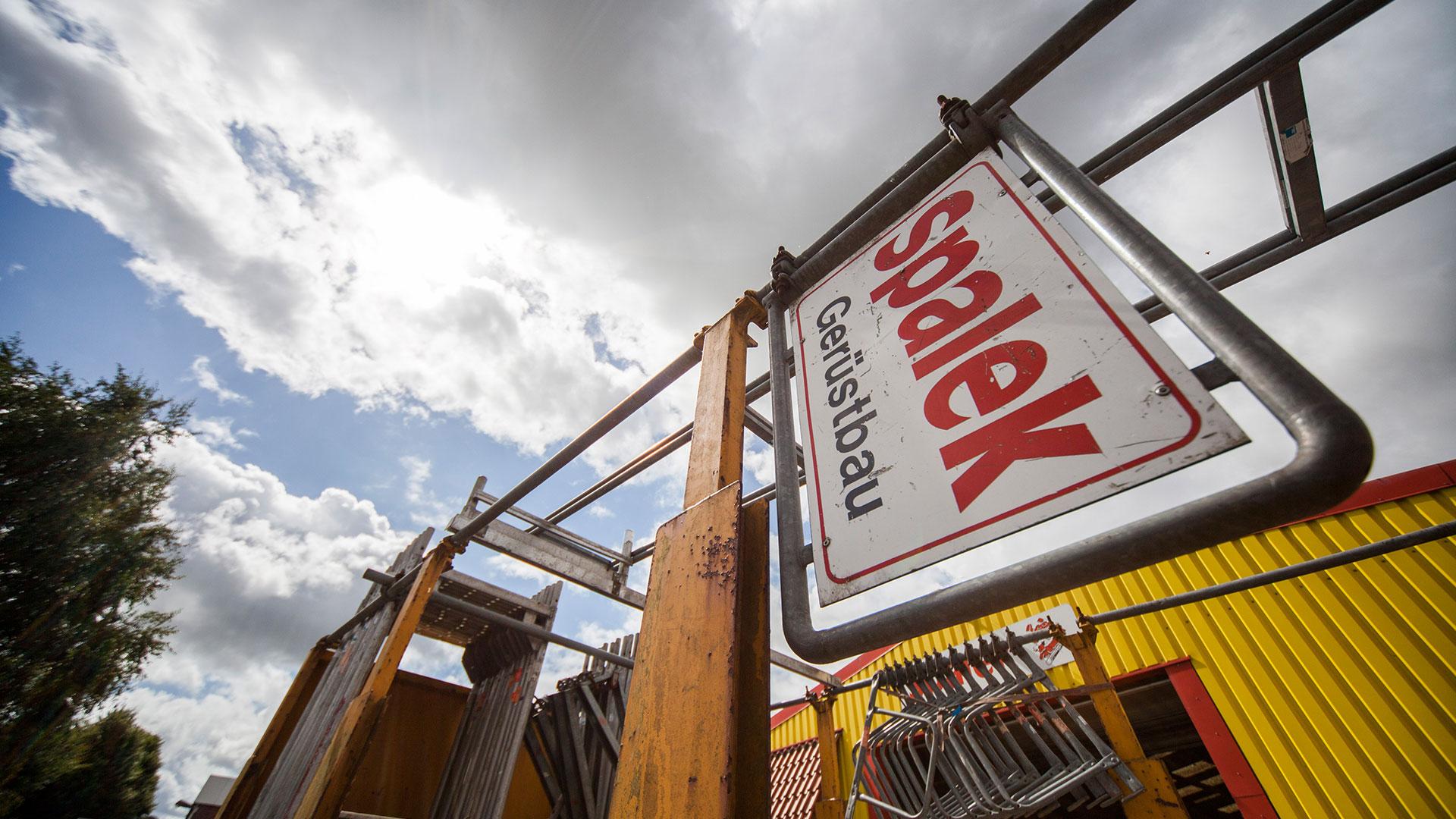 Gerüstbau Lager 1920x1080px | Dachdeckerei Spalek OHZ