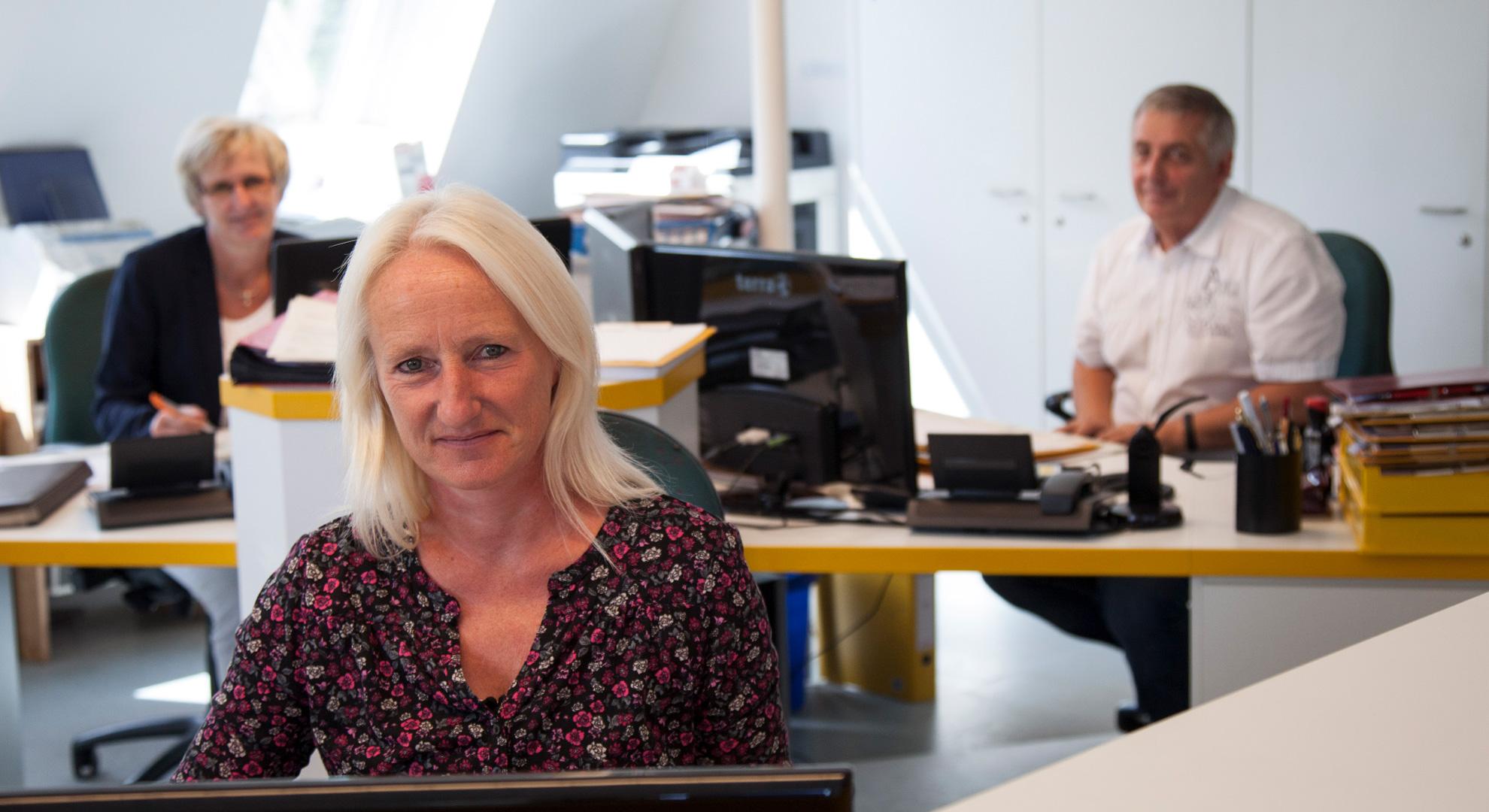 Unser Büro mit unserem Innendienst-Team | Dachdeckerei Spalek OHZ